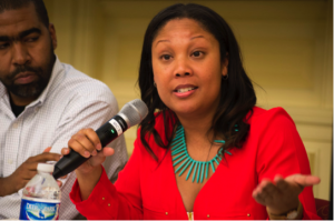 Taharee Jackson at the microphone